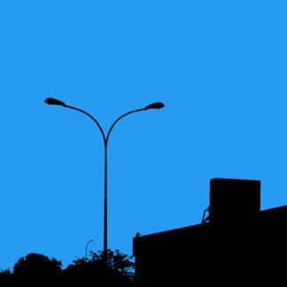 Forme et fond - Toile en noir et bleu d'un éclairage urbain éteint